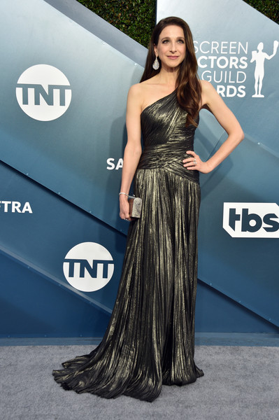 Marin Hinkle cut a chic figure in a gunmetal one-shoulder gown by J. Mendel at the 2020 SAG Awards.