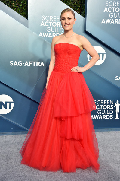 Anna Paquin was hard to miss in this strapless scarlet gown by Carolina Herrera at the 2020 SAG Awards