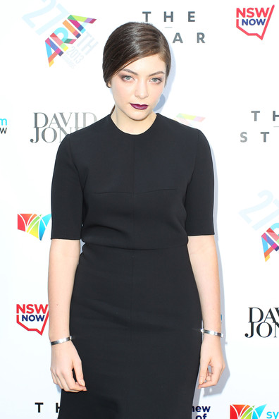 Lorde teamed two silver bracelets with a simple black dress for the 2013 ARIA Awards.