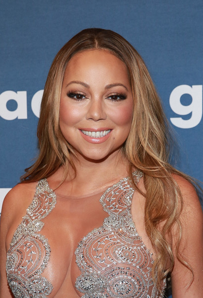Mariah Carey opted for a center-parted, wavy hairstyle when she attended the GLAAD Media Awards.
