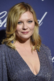 Kirsten Dunst opted for classic shoulder-length waves when she attended the Palm Springs International Film Festival.
