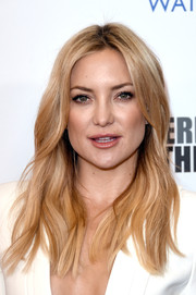 Kate Hudson wore her hair down with a center part and boho waves at the American Cinematheque Award.