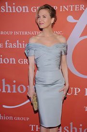 We're obsessed with this silver off-the-shoulder design Renee wore to the International Night of Stars soiree.