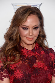 Leah Remini sported a loose curly hairstyle at the 2018 Producers Guild Awards.