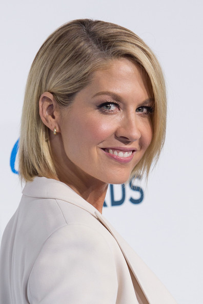 More Pics of Jenna Elfman Bob (1 of 14) - Bob Lookbook - StyleBistro
