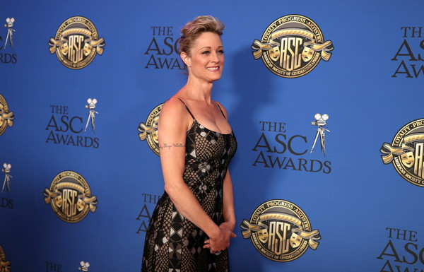 More Pics of Teri Polo Form-Fitting Dress (1 of 4) - Teri Polo Lookbook - StyleBistro [american society of cinematographers awards,carpet,award,red carpet,dress,fashion,event,formal wear,flooring,electric blue,metal,hollywood highland center,the ray dolby ballroom,california,teri polo]