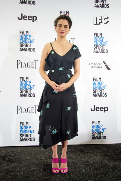 Jenny Slate looked breezy and chic in an asymmetrical print dress by Diane von Furstenberg at the Film Independent Spirit Awards nominations press conference.