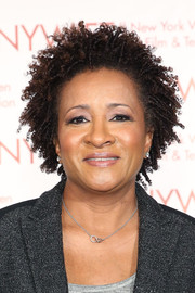 Wanda Sykes attended the New York Women in Film and Television Muse Awards wearing her hair in short curls.