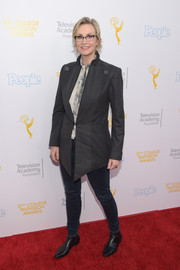Jane Lynch rocked an oversized gray jacket at the College Television Awards.