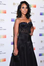 Kerry Washington matched a black Bulgari clutch with a Marchesa strapless gown for her Kennedy Center Honors Gala look.
