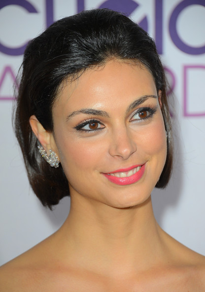 More Pics of Morena Baccarin Short Straight Cut (4 of 15) - Short Hairstyles Lookbook - StyleBistro