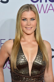 Alison Sweeney made a strong case for the center part at the 2013 People's Choice Awards.