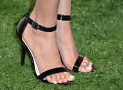 Jurnee Smollett chose patent leather sandals for a sleek and classy evening look.