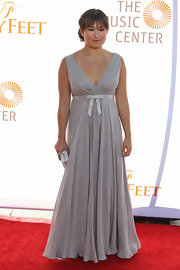 Jenna looked nothing short of a princess in this dove gray gown that featured an adorable silver bow empire waist.