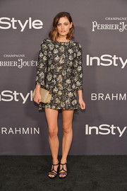 Phoebe Tonkin looked mod in a patterned tweed mini dress by Chanel at the 2017 InStyle Awards.