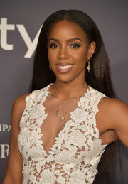 Kelly Rowland wore her hair long and straight at the 2017 InStyle Awards.