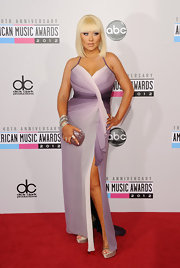 Christina Aguilera's ombre illusion silk chiffon gown looked simply enchanting on the 2012 AMAs red carpet.