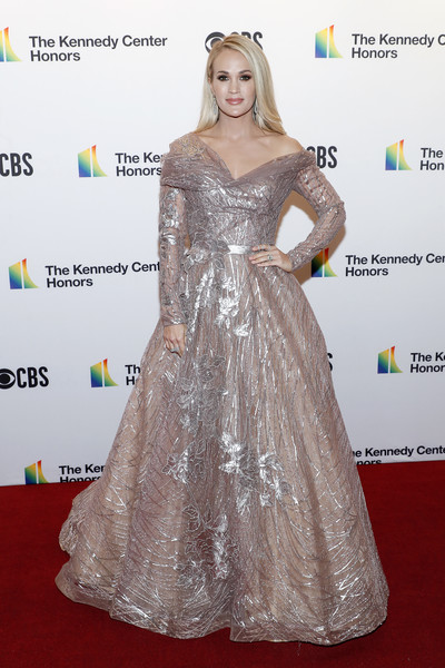 More Pics of Carrie Underwood Off-the-Shoulder Dress (1 of 5) - Carrie Underwood Lookbook - StyleBistro [dress,red carpet,clothing,carpet,hair,shoulder,flooring,hairstyle,gown,fashion,annual kennedy center honors,the kennedy center,washington dc,carrie underwood]