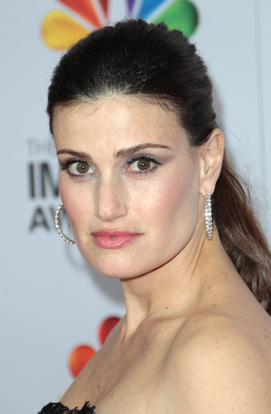 More Pics of Idina Menzel Strapless Dress (1 of 5) - Idina Menzel Lookbook - StyleBistro