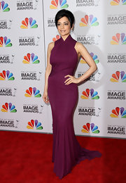 Archie Panjabi looked killer in this plum gown at the NAACP Image Awards.