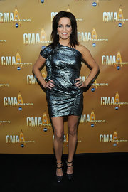 Martina went very metallic for the CMAs in this daring number. The gathering design makes for an interesting red carpet wear.