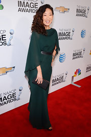 Sandra looked divinely elegant in this emerald chiffon gown at the NAACP Image Awards.