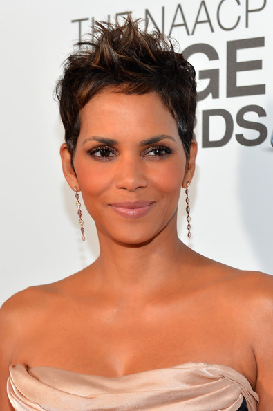 More Pics of Halle Berry Spiked Hair (3 of 39) - Short Hairstyles Lookbook - StyleBistro