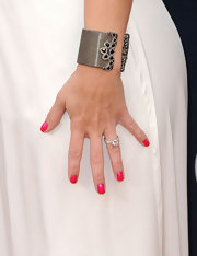 Miranda Lambert added a pop of color to her look with bright pink nail polish.