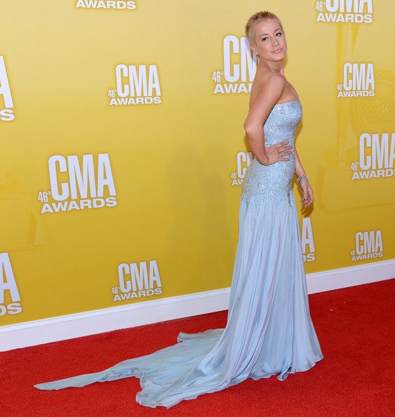 More Pics of Kellie Pickler Strapless Dress (3 of 6) - Kellie Pickler Lookbook - StyleBistro