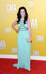 Shawna Thompson was the pinnacle of glamour, carrying a crystal embellished bag on the 2012 CMA Awards red carpet.