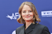Jodie Foster attended the 2019 AFI Life Achievement Award wearing her hair in a short wavy style.