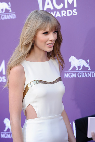 More Pics of Taylor Swift Cutout Dress (1 of 24) - Dresses & Skirts Lookbook - StyleBistro