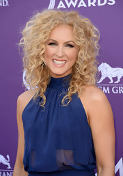 Nothing says country quite like big, voluminous curls. Just ask Kimberly Schlapman, who sported the look at the 2013 ACMs.