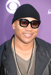 LL Cool J looked cool and hip in a pair of oversized shades.