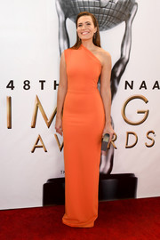 Mandy Moore looked simply sophisticated in a crisp orange one-shoulder gown by Solace London at the NAACP Image Awards.