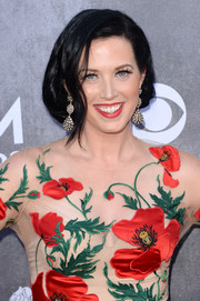 Shawna Thompson sported a romantic faux bob at the ACM Awards.