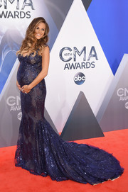 Jana Kramer showed off her glamorous maternity style in this sparkly purple mermaid gown by Galia Lahav Couture during the CMA Awards.