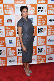 Gina Gershon completed her classic ensemble with a pair of gray peep-toe pumps.