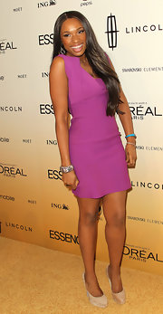 Jennifer Hudson paired her fuchsia sheath dress with nude suede pumps at the 'Essence' Black Women in Hollywood luncheon.