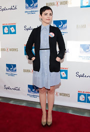 Ginnifer Goodwin paired a classic shirt dress with a long black blazer for a super preppy look.