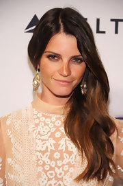 Jeisa Chiinazzo's auburn waves looked totally natural and effortless on the red carpet.
