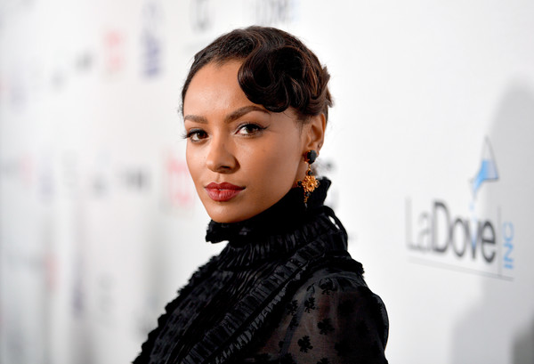 Kat Graham went for a vintage-glam finger wave when she attended the Hollywood Beauty Awards.