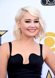 RaeLynn attended the 2015 ACM Awards wearing this cute wavy 'do.