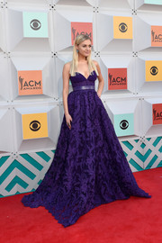 Kelsea Ballerini looked absolutely regal in this strapless purple ball gown by Georges Hobeika at the Academy of Country Music Awards.