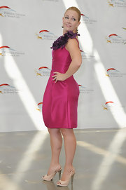 Melissa Joan Hart teamed her fuchsia cocktail dress with blush leather platform pumps.