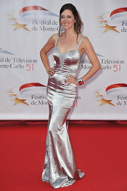 Sandra Lou showed off her svelte physique in an ultra-glam silver evening dress.
