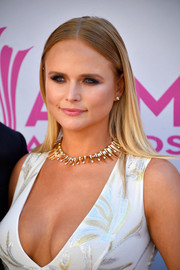 Miranda Lambert opted for a simple straight hairstyle when she attended the 2017 ACM Awards.
