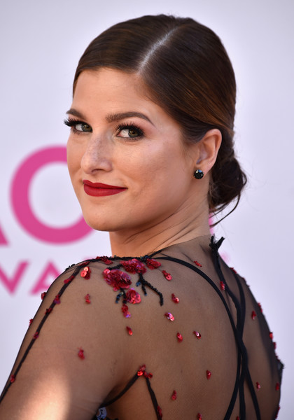 Cassadee Pope wore a simple yet elegant chignon at the 2017 ACM Awards.