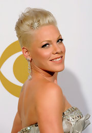 Pink showcased her rock-glam look by donning her famous faux-hawk, which she dressed up for the Grammy's with a cute sparkling hair pin.