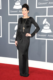 Musician Skylar Grey rocked this vintage Hollywood hairstyle to the Grammys.